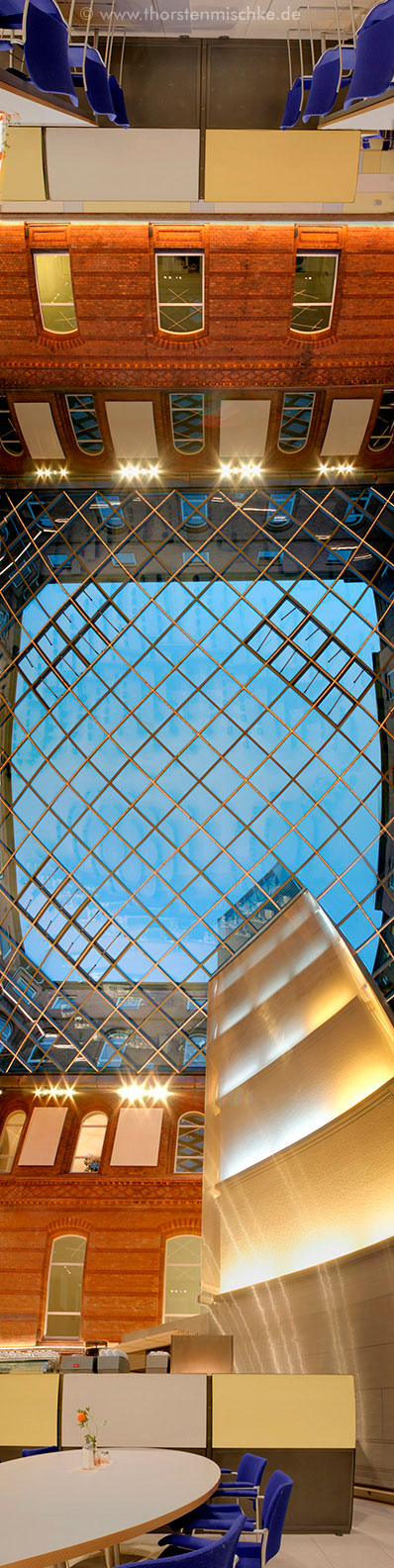 Foto: Landeshaus Kiel-Nordhof Nord-Süd-Achse © www.ThorstenMischke.de Fotodesign Kiel