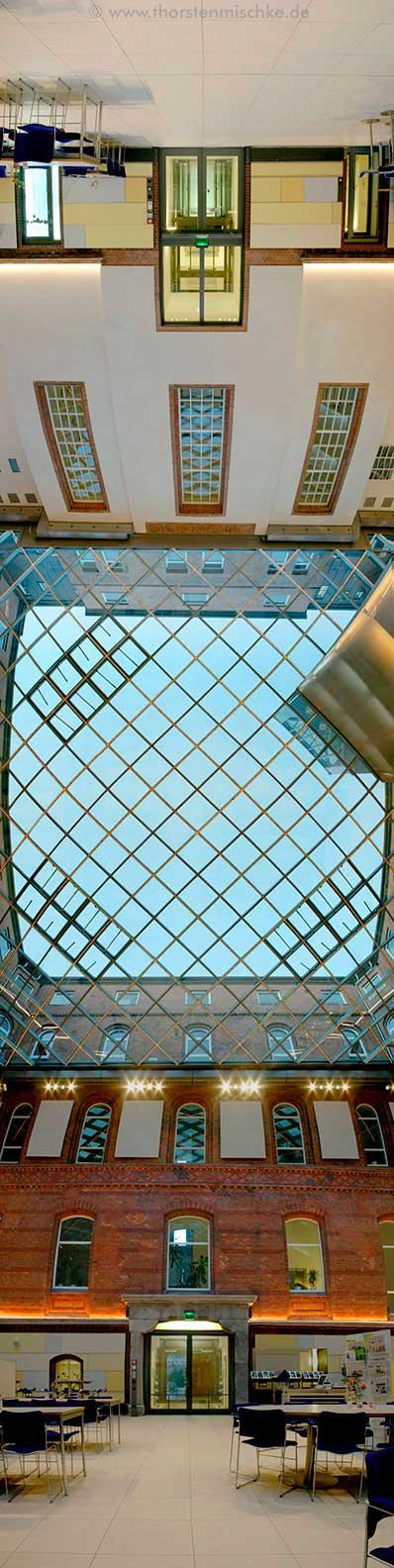 Foto: Landeshaus Kiel-Nordhof Ost-West-Achse © www.ThorstenMischke.de Fotodesign Kiel